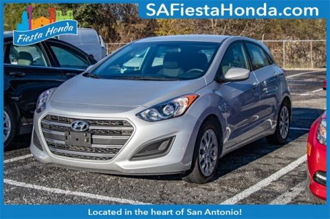 Pre-Owned 2017 Hyundai Elantra GT Base